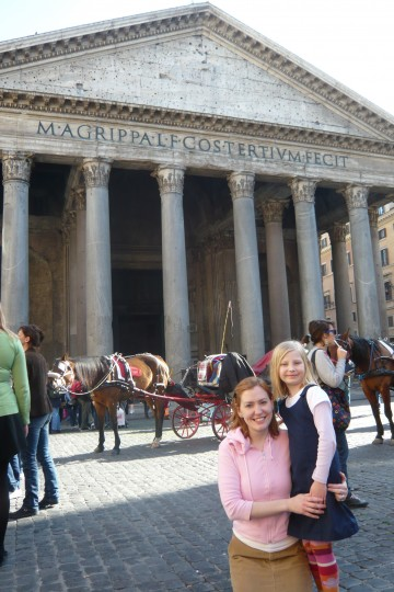 Becky and Sophie in front of the Pantheon