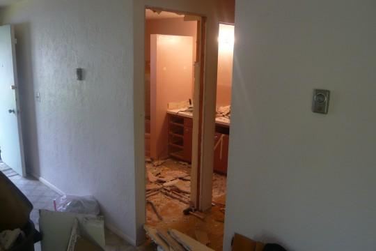 06_BathroomWithNoClosetDoor